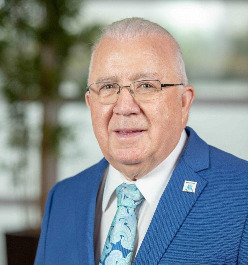 monsieur eddy savoie, propriétaire et fondateur des Résidences Soleil et créateur du concept de résidences pour personnes âgées
