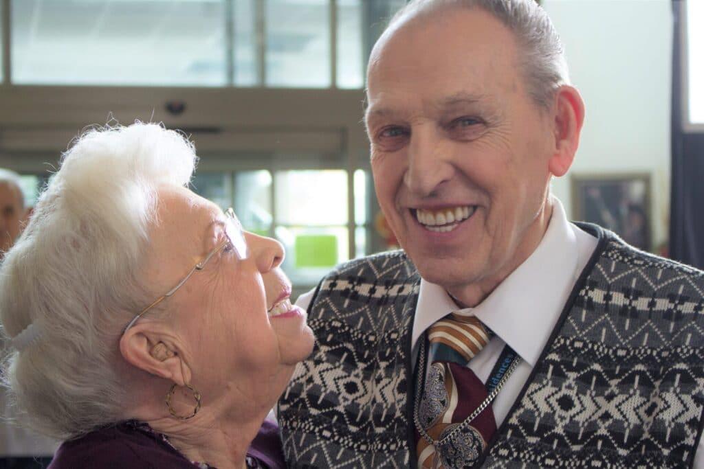 résident heureux dans nos résidences pour personnes âgées